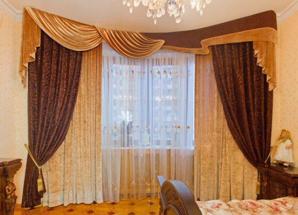 Красивые и стильные гардины в оформлении комнаты