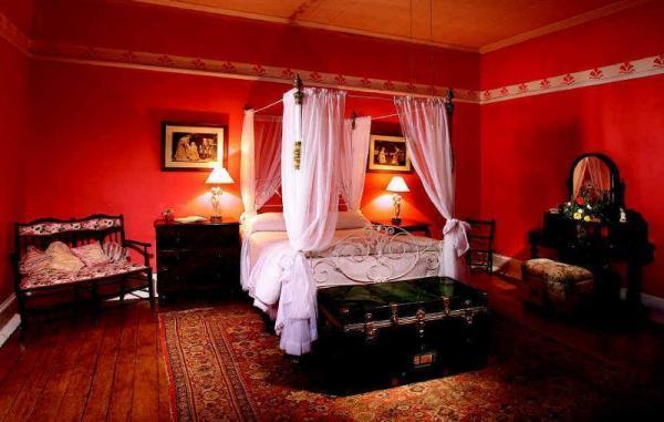 Красная спальня может быть слишком «агрессивной»