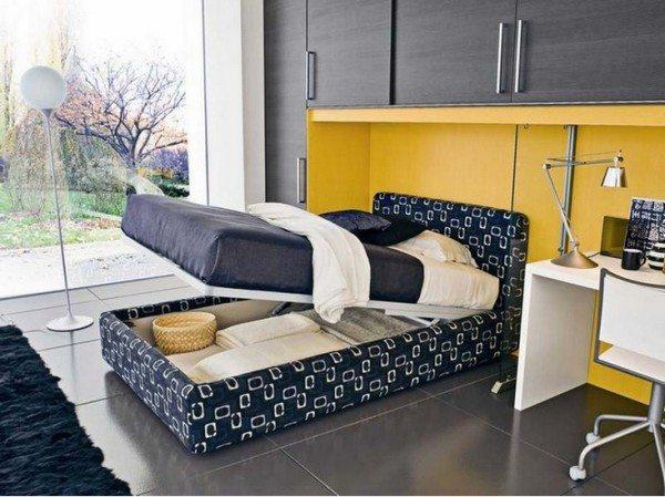 Кровать – основной элемент спальни, который способен еще таить в себе функциональную часть для распределения различных вещей.