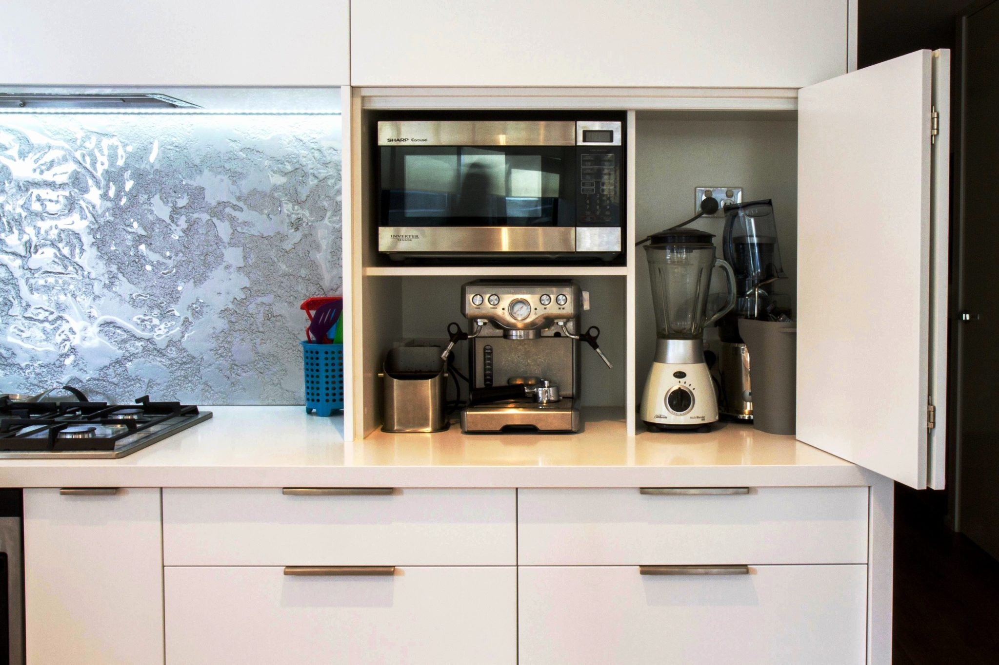 Маленькая кухня: дизайн и планировка, выбор цвета и стиля
