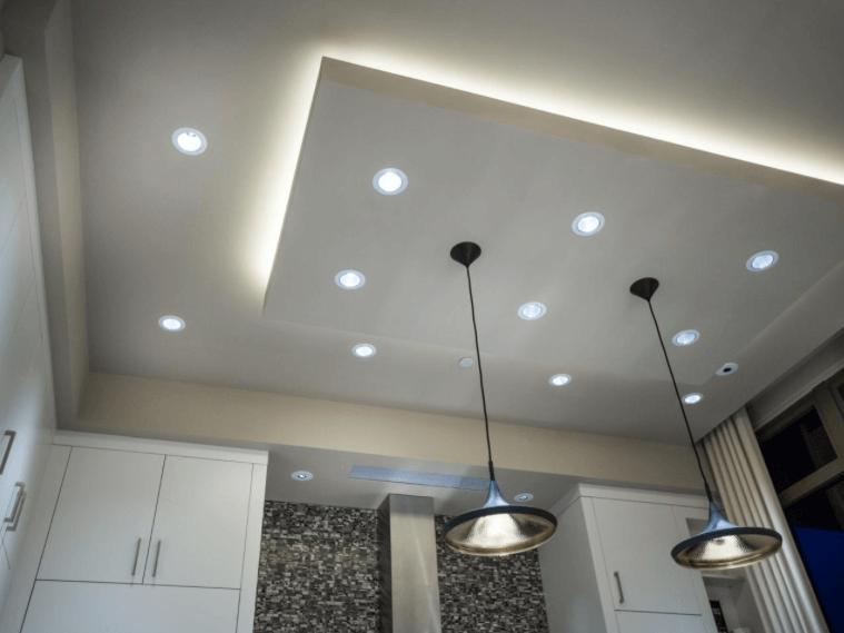 светильники в спальне на потолке из гкл