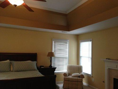 уютная спальня благодаря потолку из гипсокартона