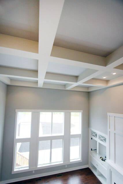 лабиринт из гипсокартона на потолке