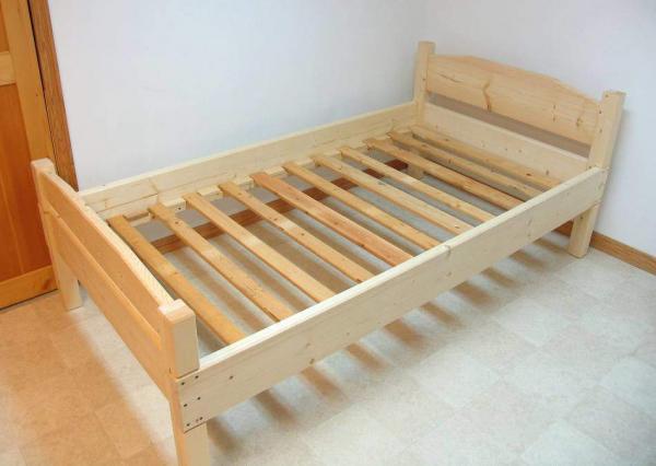 Мы можем решительно и правильно смастерить кровать своими руками.