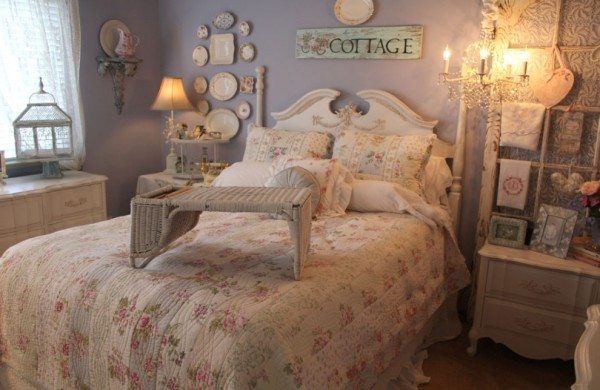 На фото изображена комната отдыха в образе шебби шик.