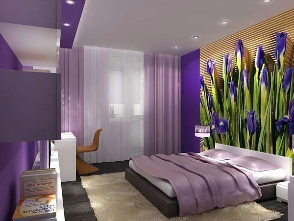 На фото показан вариант отделки спальни с использованием панно с 3Д изображением цветов.