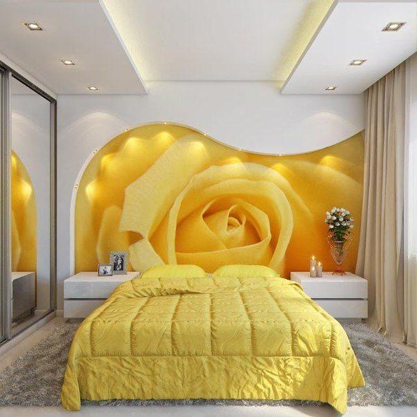 На фото представлен дизайн спальни с фотообоями с розой – фантазия поистине не имеет границ!