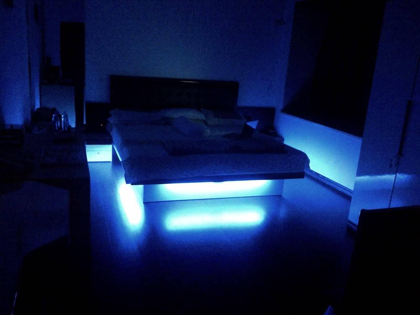 неоновое освещение спальни