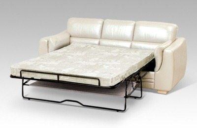 Ночью - кровать, днем – диван