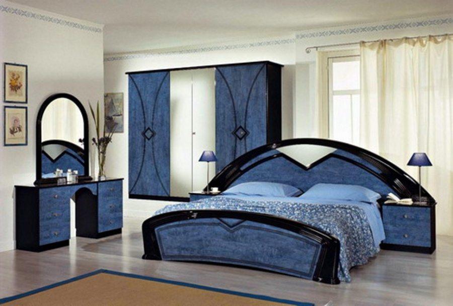 Оттенки синего в оформлении комнаты – беспроигрышный вариант.