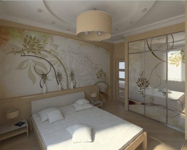 Плавные линии узора на стенах скрадывают прямоугольный дизайн меблировки