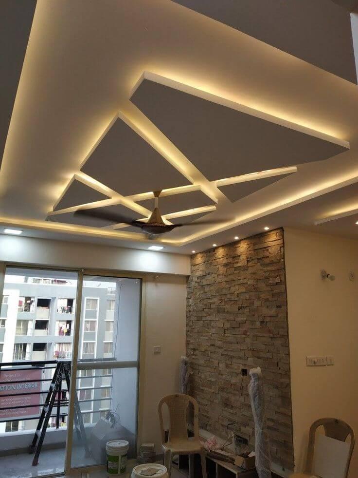 узорчатый потолок из гипсокартона в спальне