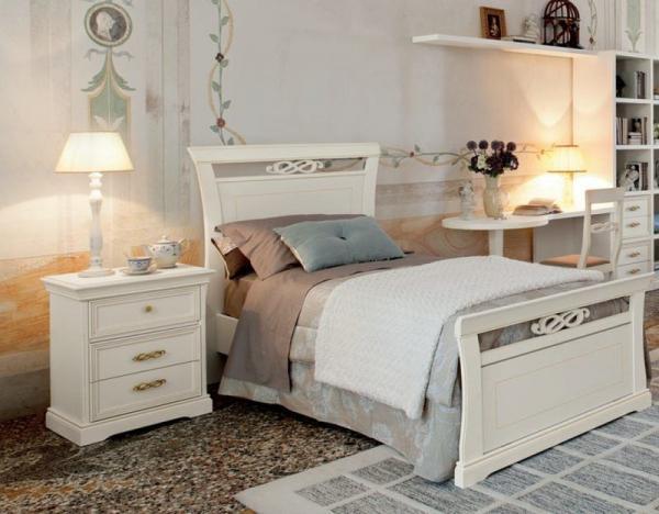 Прикроватная тумбочка в интерьере спальни