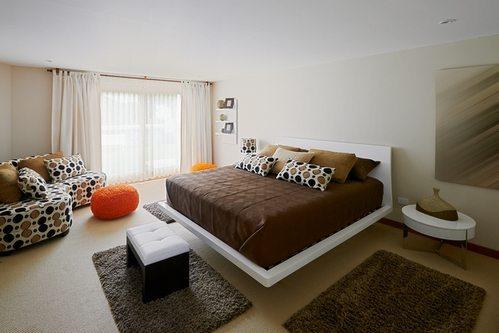 Пример использования трех небольших ковров