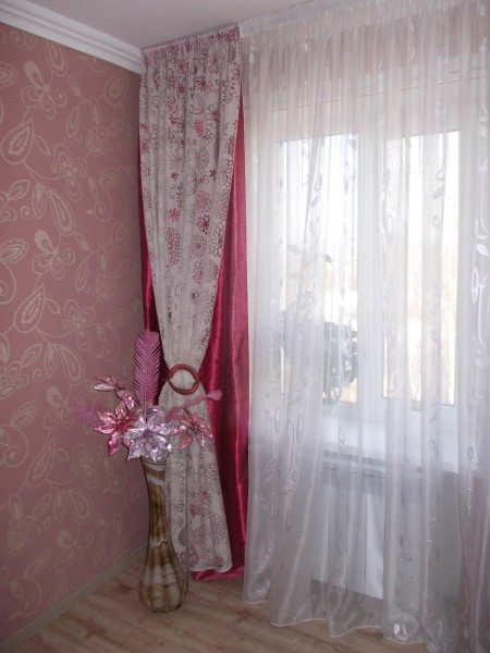 Пример красивого оформления занавесок