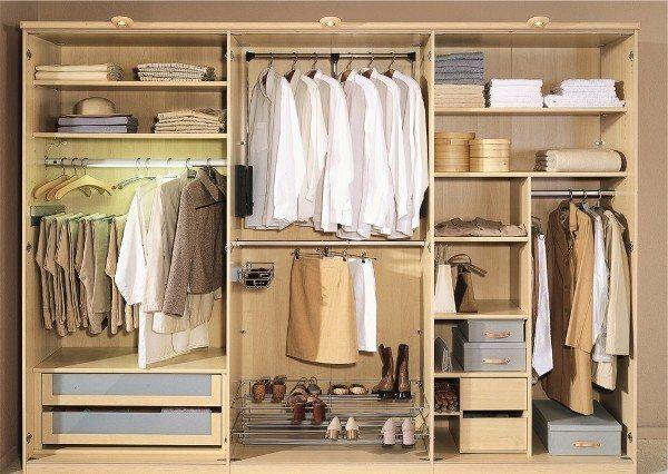 Пример начинки шкафа-купе