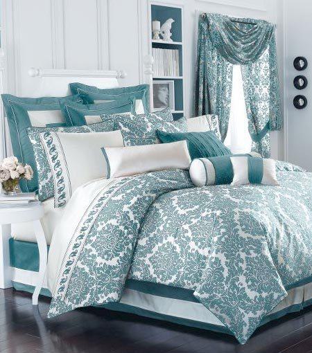 Продуманность каждой детали в оформлении спальни создает ее неповторимую атмосферу.