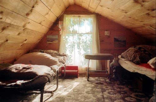 Простейший вариант обустройства спальни