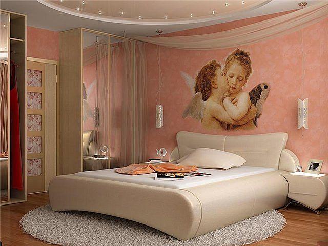 Романтический стиль декора гармонично сочетается с плавными линиями «новой волны»