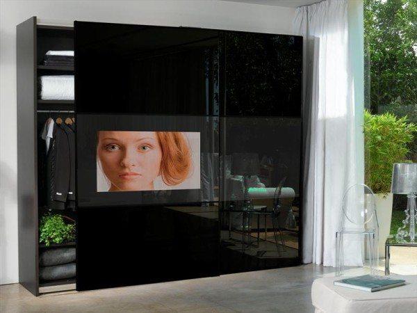 Шкафы купе в спальню с телевизором достаточно популярны, но стоят такие модели довольно дорого