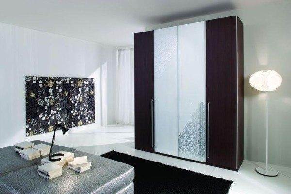 Современный стиль диктует свои условия, но какие они элегантные и оригинальные.