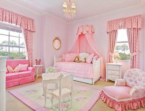 Спальня для маленькой принцессы в розовых тонах