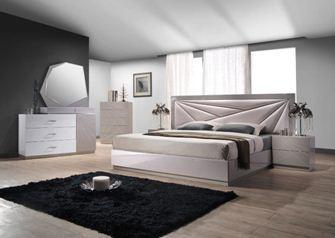 Спальня из карельской березы – всегда гарантия самого высокого экологического стандарта (фото «А»)