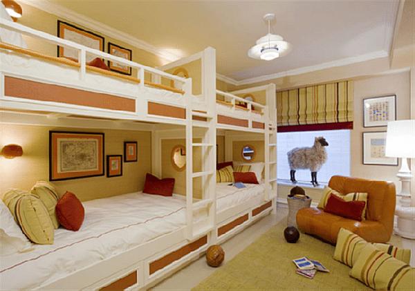 Спальня на четверых для многодетной семьи