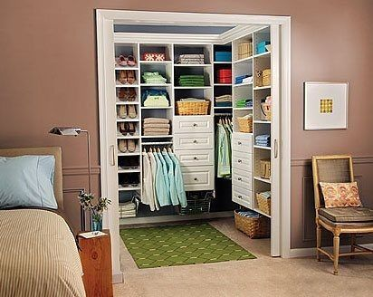 Спальня с отдельной комнатой для гардероба