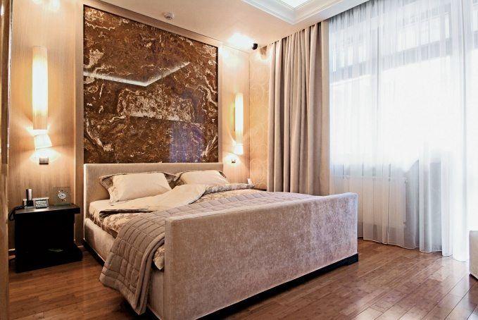 Панно в интерьере спальни
