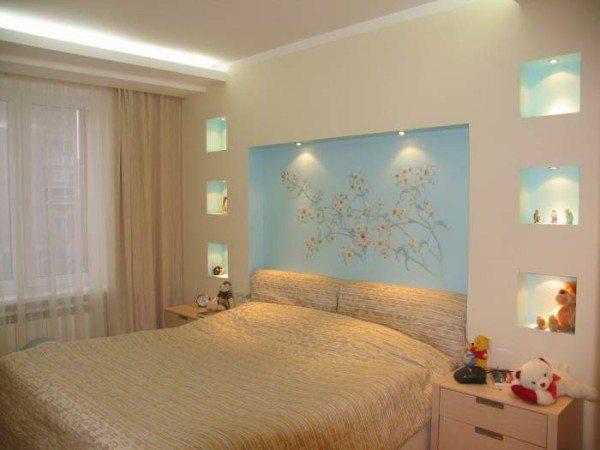 Стильный вариант рассеянной подсветки детской комнаты, оформленной в пастельных тонах