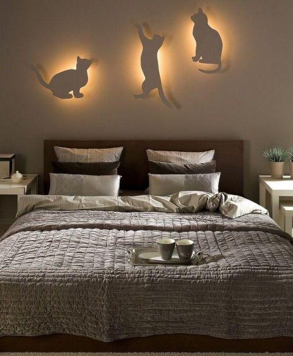 три светящихся кота - очень красивая идея освещения
