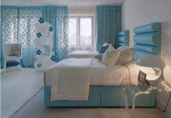 Цена прохлады в комнате – холодные тона и голубые аксессуары