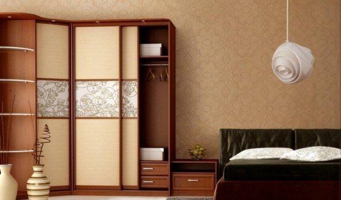 Угловая модель для спальной комнаты