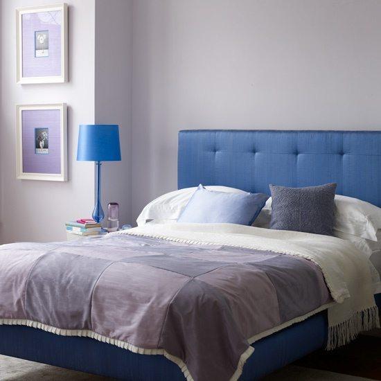 В оформлении спальни желательно использовать не более трех цветов.