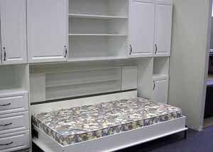 Вот одно из решений под названием «встроенная спальня» (фото «С»)