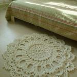 Вязаный прикроватный коврик