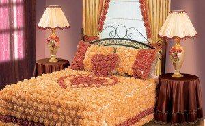 Нарядное убранство для кровати задаст тон всей комнате!