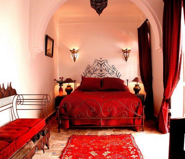 Яркая марокканская спальня.