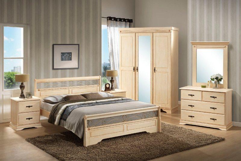 Зеркало с тумбой в спальню является незаменимым предметом интерьера.